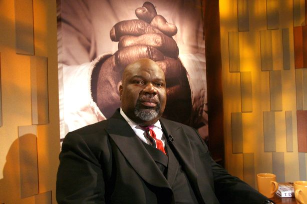 T.D. Jakes and Hezekiah Walker visit the set of 'Meet the Faith' - May 3, 2006