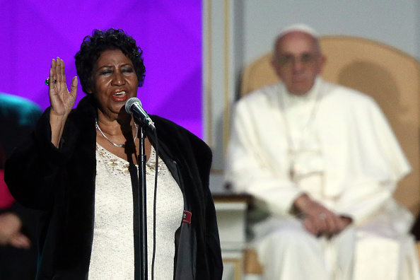 Pope Francis Is Entertained By Aretha Franklin