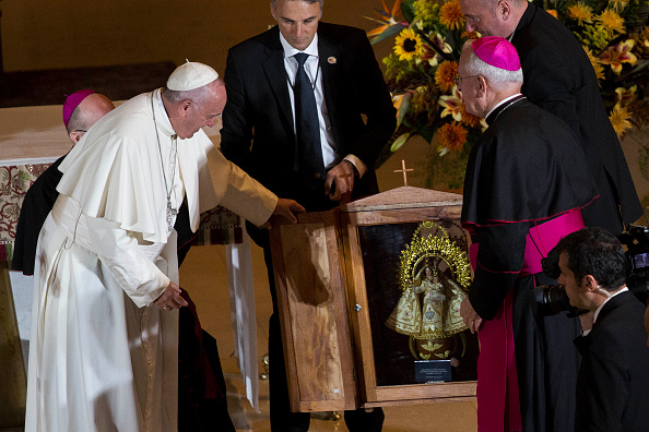 Pope Francis Delivers Gift From Cuba To America
